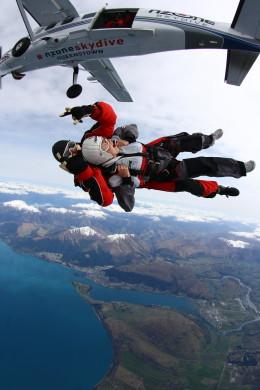 30- Salto de Paraquedas